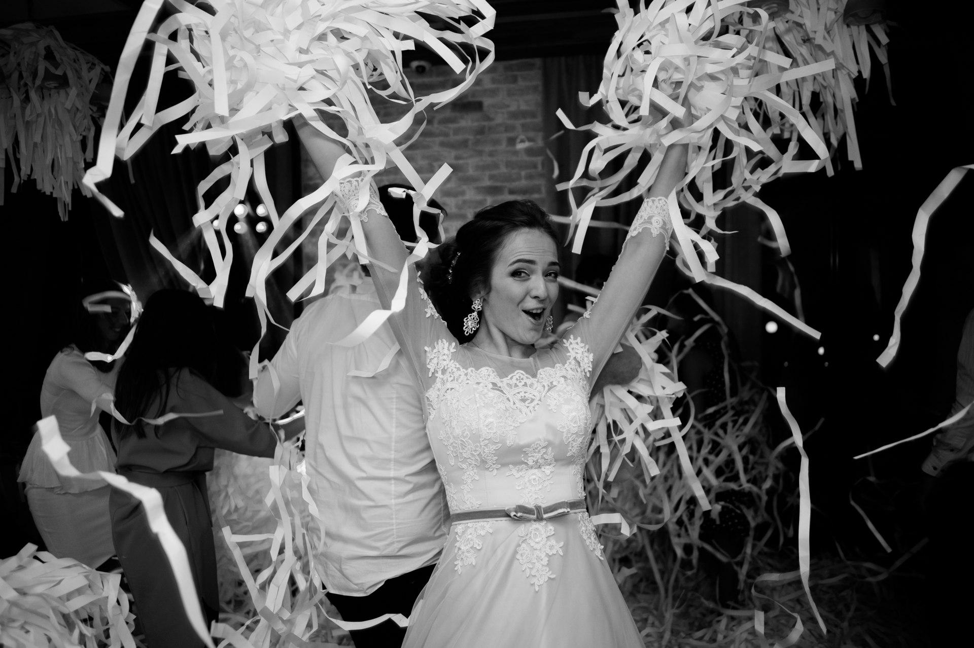 Бумажное шоу на свадьбу иваново